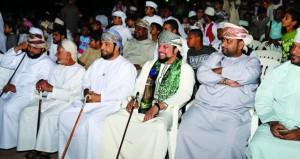 ضنك وشناص تزدانان بالأهازيج والرقصات الشعبية احتفالا بالعيد الوطني الـ 47 المجيد
