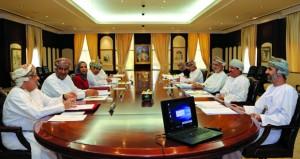 اللجنة الاستشارية لتقرير التنمية المعرفية تبحث عددا من المواضيع