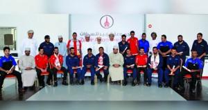مجموعة الزبير للسيارات تحتفل بتعيين 26خريجا عمانيا من الكلية الوطنية لتقنية السيارات