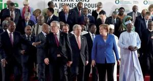 (قمة أبيدجان): اتفاق لتنفيذ عمليات إجلاء طارئة للمهاجرين من ليبيا