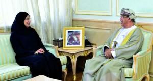 بحث تطوير التعاون بين السلطنة وقطر في المجالات الصحية