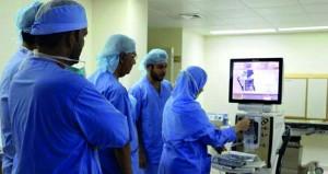 تدشين خدمة تقنية ( الفيكو ) لعلاج النزول الأبيض بمستشفى عبري