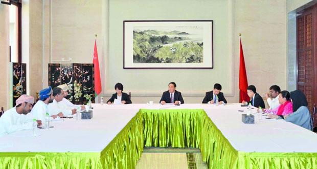 السفير الصيني يشيد بمتانة العلاقات الثنائية بين السلطنة وبلاده