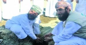 مشاركة مبادرة أشجار «البيئية» فـي فعاليات يوم الشجرة العماني