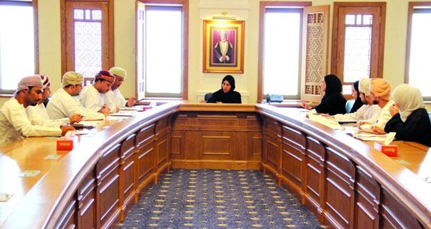 """""""القوى العاملة"""" تناقش آلية عمل مسابقة المهارات الوطنية والخليجية والعالمية ومشاركتها القادمة بالكويت"""