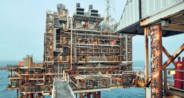 اقتصاديون يتوقعون استقرار أسعار النفط بين 55 إلى 60 دولارا خلال الفترة القادمة