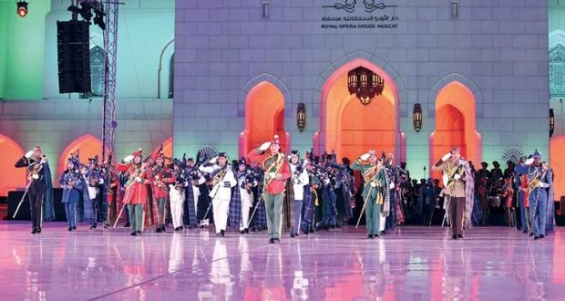 (الأوبرا السلطانية) تنظم حفل الموسيقى العسكرية العُمانية