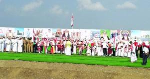 خمس لوحات شعبية فـي احتفال صحم بالعيد الوطني المجيد