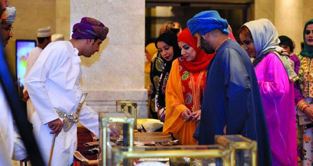 """""""الأوبرا السلطانية مسقط """" تحتضن معرض نبع الأصالة للموروثات والصناعات العمانية التقليدية"""