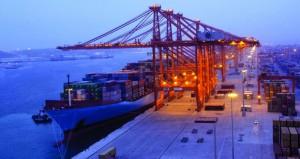موانئ السلطنة تواصل تسجيل معدلات إيجابية من النمو في حركة السفن والحاويات