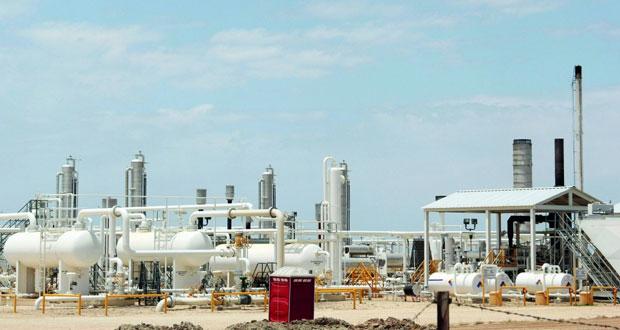 """محللون اقتصاديون لـ""""الوطن الاقتصادي"""": توقعات بنمو الطلب العالمي على النفط وتحسن الأسعار في 2018"""