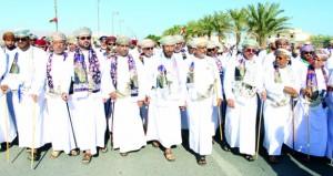 أهالي صور ونياباتها ينظمون مسيرة الولاء والعرفان بمناسبة العيد الوطني الـ (47) المجيد