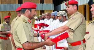 تكريم فريق الجيش السلطاني العماني الحاصل على المركز الأول في المسابقة الثقافية