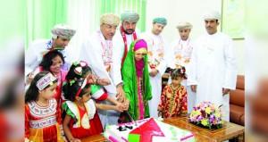 ولايات ومحافظات السلطنة تواصل تجسيدها لمشاعر الفرحة بمناسبة العيد الوطني الـ (47) المجيد