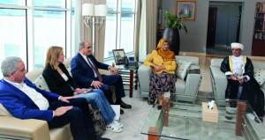 بحث التعاون بين السلطنة وقبرص في مجالات التعليم العالي والبحث العلمي