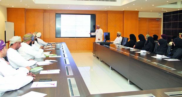 محاضرات توعوية حول قانون الخدمة المدنية لموظفي المركز الوطني للإحصاء والمعلومات