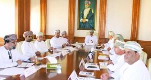اللجنة الفنية بالإسكان تستعرض مواضيع تخطيطية بمحافظة مسقط
