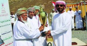 سعيد البادي يحقق المركز الأول في مسابقة الرماية بإزكــي