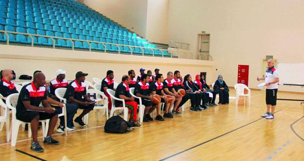 اليوم .. ختام أعمال دورة التضامن الأولمبية المتقدمة لمدربي كرة السلة