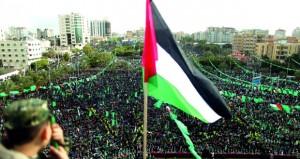 عشرات المستوطنين يدنسون باحات الأقصى .. ومواجهات في أبو ديس