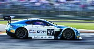 فريق عمان لسباقات السيارات يشارك في النسخة السابعة لسباق الخليج 12 ساعة بأبوظبي