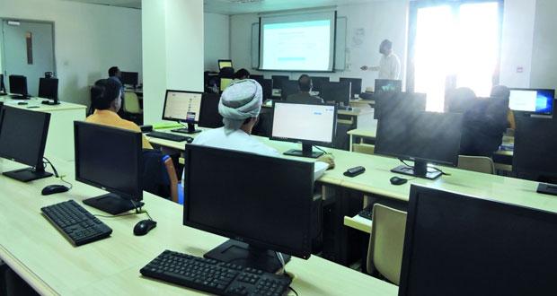 حلقة عمل لتدريب أعضاء التحرير في المجلات الأكاديمية الست في جامعة السلطان قابوس