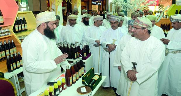 افتتاح سوق العسل العماني
