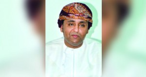 خالد البلوشي يقرأ القصيدة العمانية الحديثة