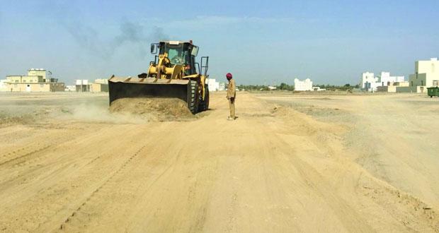 بلدية مسقط تتابع تنفيذ قانون تنظيم تراخيص قطع الجبال وأعمال الحفر تحت الأرض
