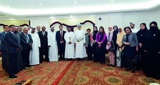 وفد جامعة الدول العربية يطلع على تجارب السلطنة في المؤسسات الاجتماعية ـ