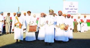 فرقة الشهامة بالمضيبي تحتفـي بمقرها الجديد بإقامة مهرجان للفنون الشعبية