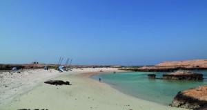 «الديمانيات» محمية طبيعية تستقطب سياحة الغوص والتخييم