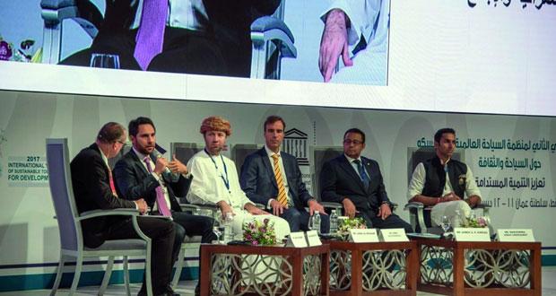 """وزير السياحة لـ""""الوطن الاقتصادي"""": الحكومة ماضية لتذليل الصعوبات والتحديات التي تواجه الاستثمار في القطاع السياحي"""