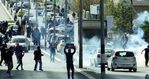 الاحتلال يعتقل 620 فلسطينيا منذ اندلاع (انتفاضة القدس) .. ويواصل عدوانه