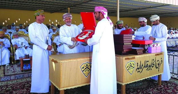 أمين عام شؤون البلاط السلطاني يرعى المسابقة السنوية لفريق الخابورة للرماية التقليدية