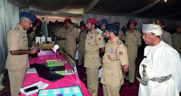 افتتاح معرض للابتكارات والاختراعات العلمية بهندسة الكهرباء والميكانيكا التابعة للجيش السلطاني العماني
