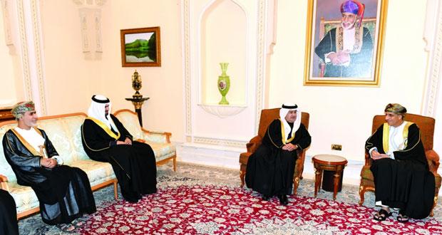 فهد بن محمود يستقبل مبعوث العاهل البحريني