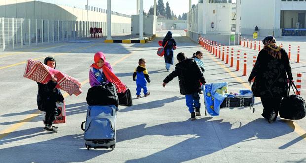 سوريا: موسكو تقول إنها ستسحب طائراتها وتبقي سفنها
