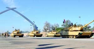 العراق: العبادي يرعى استعراضا عسكريا في يوم النصر على داعش