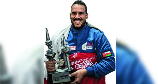 اليحيائي «بطلا للدرِفت» في النهائيات الكبرى لـ «ريد بُل كار بارك درِفت» بالكويت