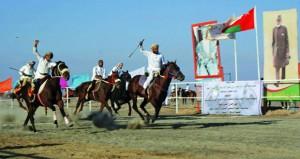 مهرجان شعبي كبير للخيل والفروسية بولاية بهلاء بمشاركة 150 فارسا من مختلف ولايات السلطنة