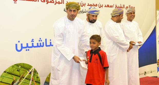وزير الشؤون الرياضية يكرم اللاعبين المجيدين في مراكز إعداد الناشئين