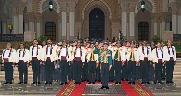 القائد الأعلى يكرم القوات المسلحة .. والجيش السلطاني العماني ينفذ (نمر الجبل)