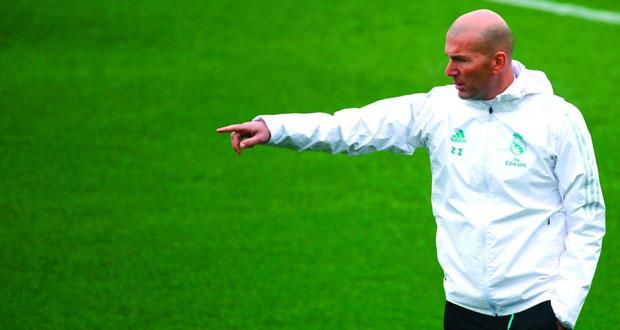 الثقة في زيدان تتراجع مع فشله في السيطرة على الوضع في ريال مدريد