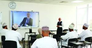 جامعة مسقط تنجح في الربط الاكاديمي الإلكتروني مع شركائها بالجامعات البريطانية