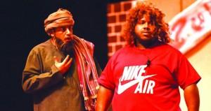 """فرقة أمجاد عُمان تعرض مسرحية """"دكان ابوي"""" وتدشن هويتها بمركز نزوى الثقافي"""