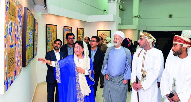 افتتاح المعرض الشخصي للفنانة التشكيلية الإيرانية نرجس حيدري
