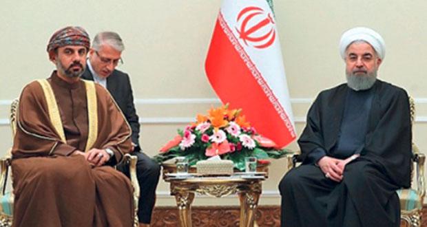 وفد السلطنة المشارك في (مجالس التعاون الإسلامي) يلتقي روحاني