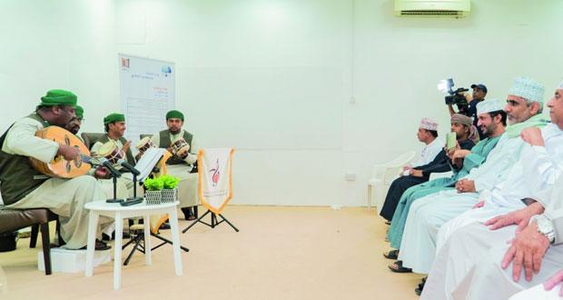مسلم الكثيري يقدم جلسة حوارية حول مكانة الصوت في التراث الموسيقي العماني