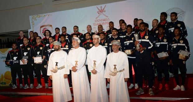 هيثم بن طارق يكرم أبطال خليجي 23 والشركات الداعمة والمؤسسات الإعلامية